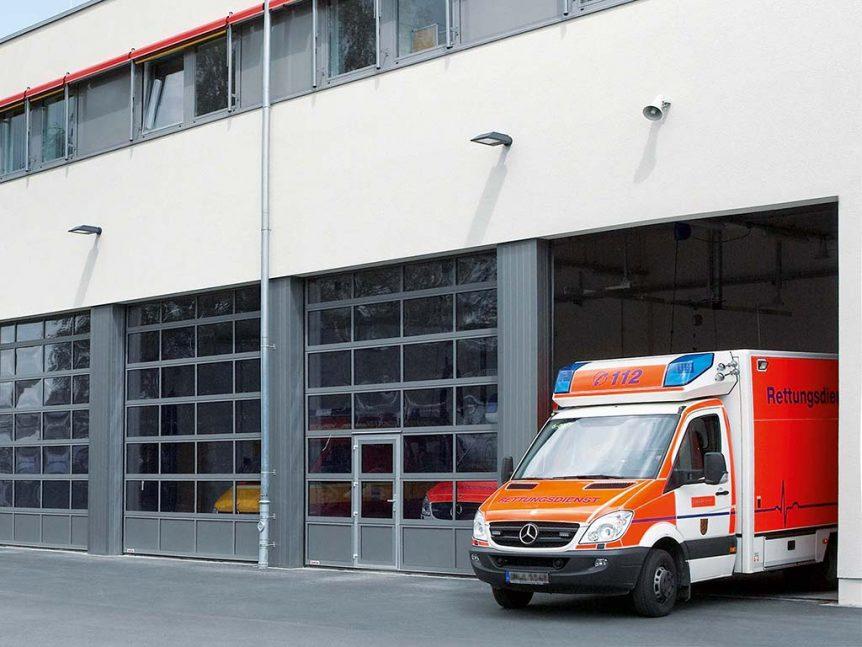 Hallentore für Rettungsdienste